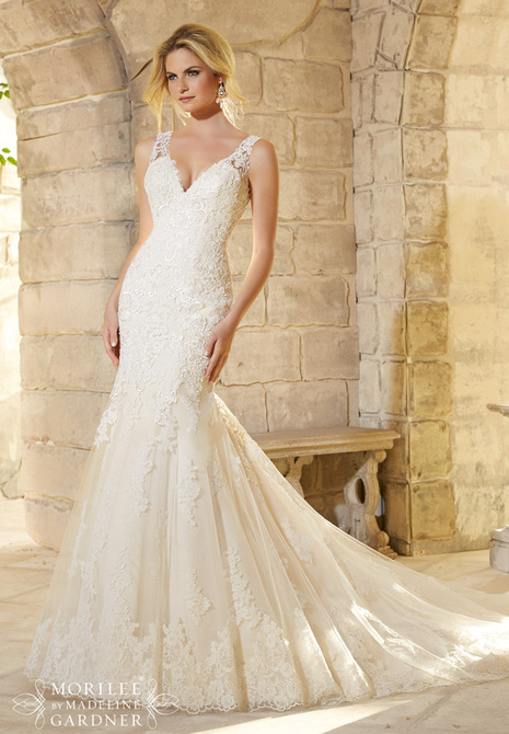 Tips for selecting a wedding dress