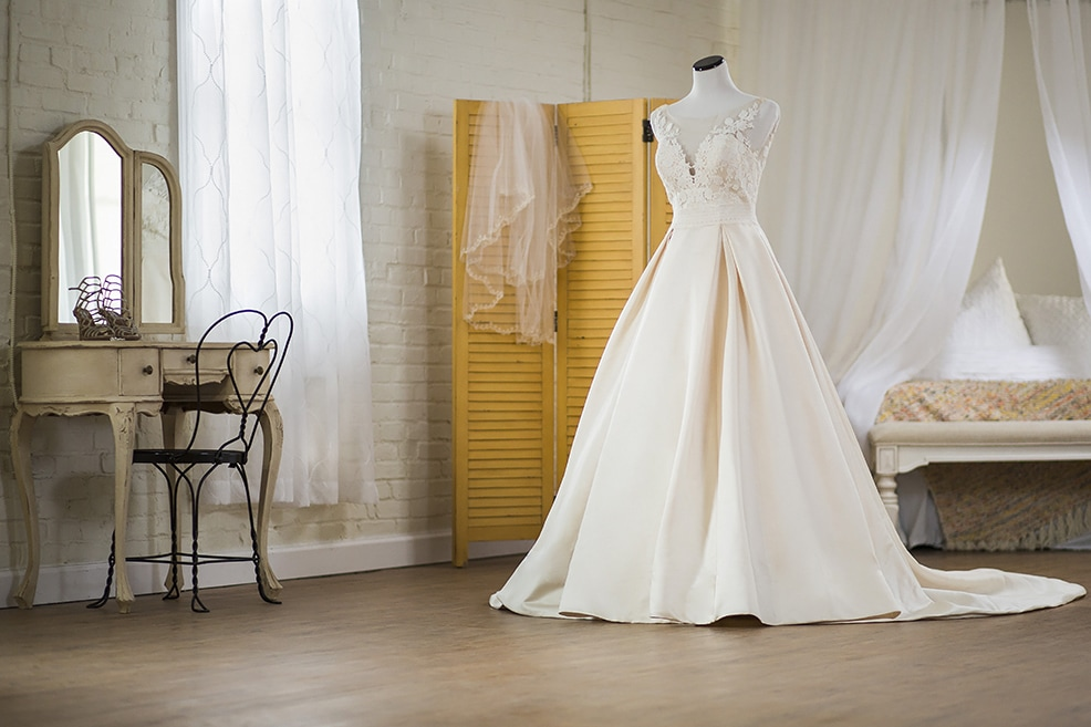 Wedding dress shopping tips